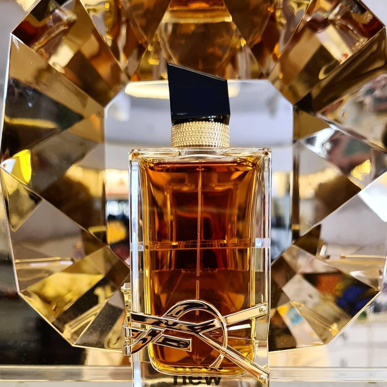 بررسی، مشاهده قیمت و خرید عطر (ادکلن) ایو سن لورن لیبر اینتنس Yves Saint Laurent Libre Intense اصل