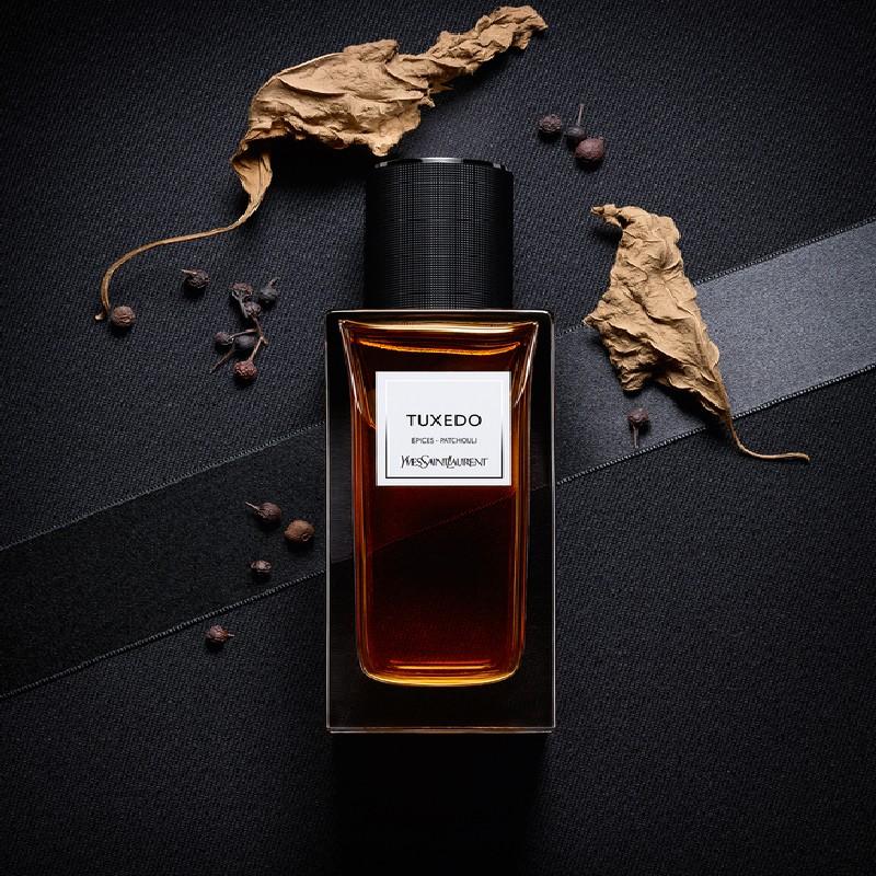 بررسی، مشاهده قیمت و خرید عطر (ادکلن) ایوسن لورن تاکسیدو (ایو سن لورن تُکسدو) Yves Saint Laurent Tuxedo اصل